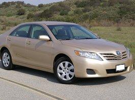 Toyota-Camry_silver10.jpg